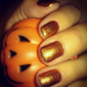 Adorable autumn manicure