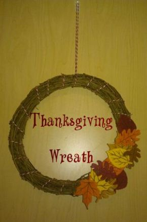 DIY Inexpensive Autumn Wreath for Thanksgiving